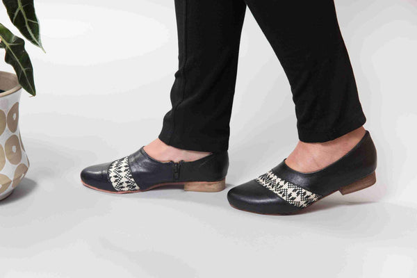 Darzah Tatreez Oxford in Black