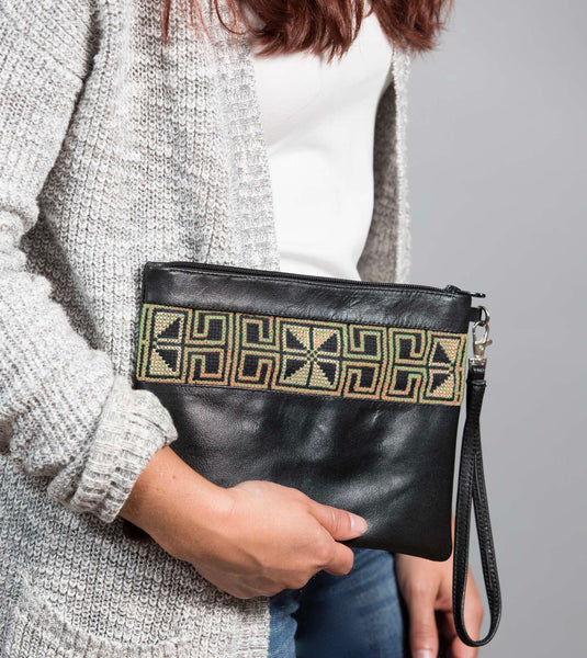 Darzah Gold Egypt Clutch