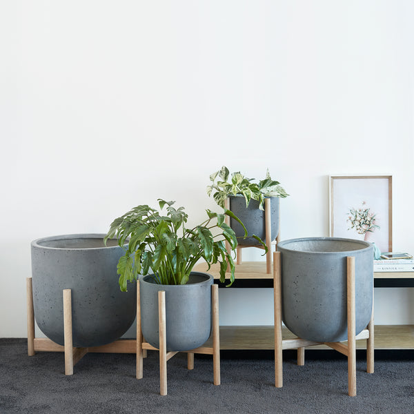 Luna Series - Small pot planter with timber legs - SLATE