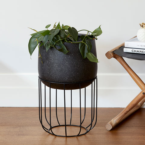 Zoe series - Medium pot planter with steel legs - BLACK TERRAZZO