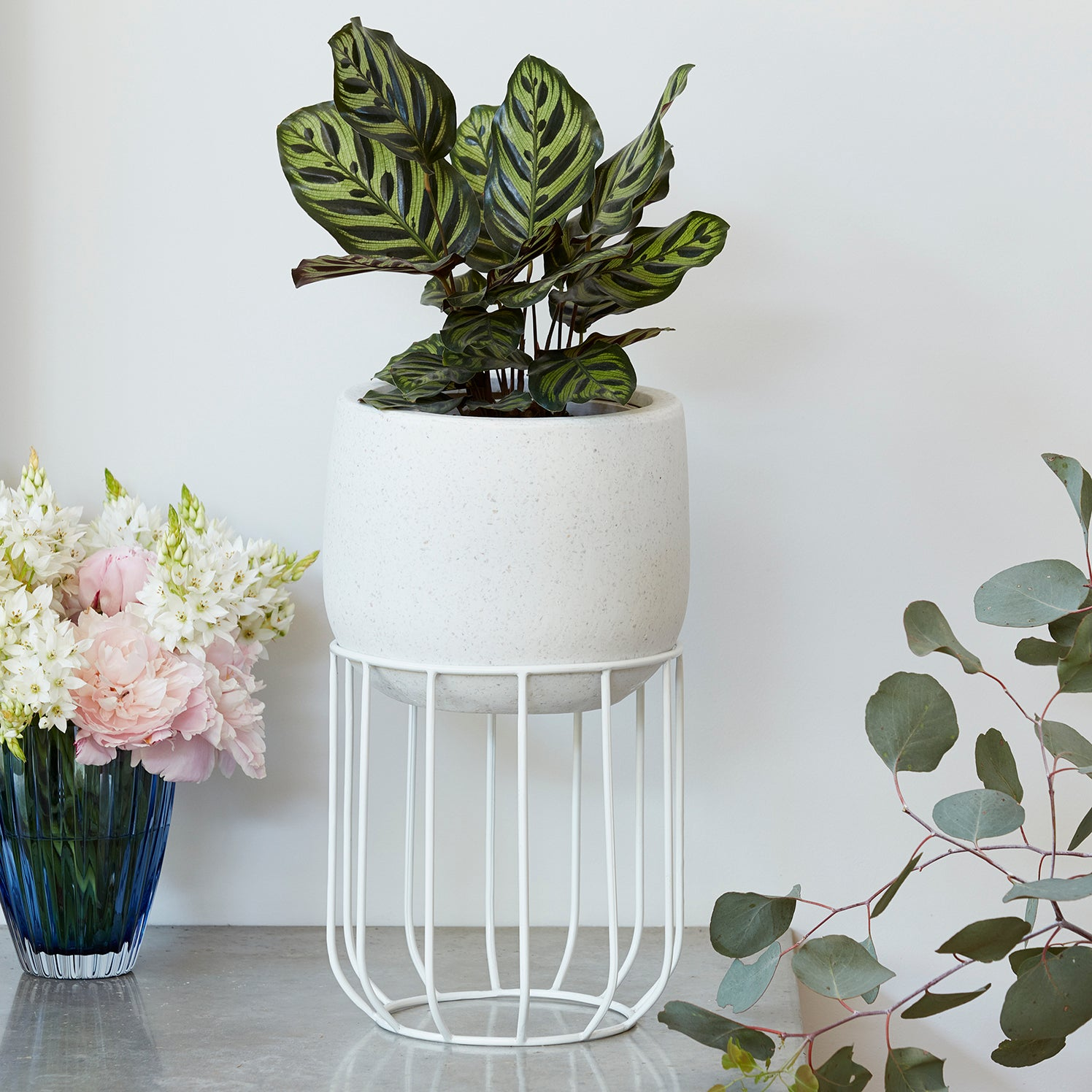 Zoe series - Small pot planter with steel legs - WHITE TERRAZZO