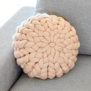 Chunky Wool cushion - PEACH