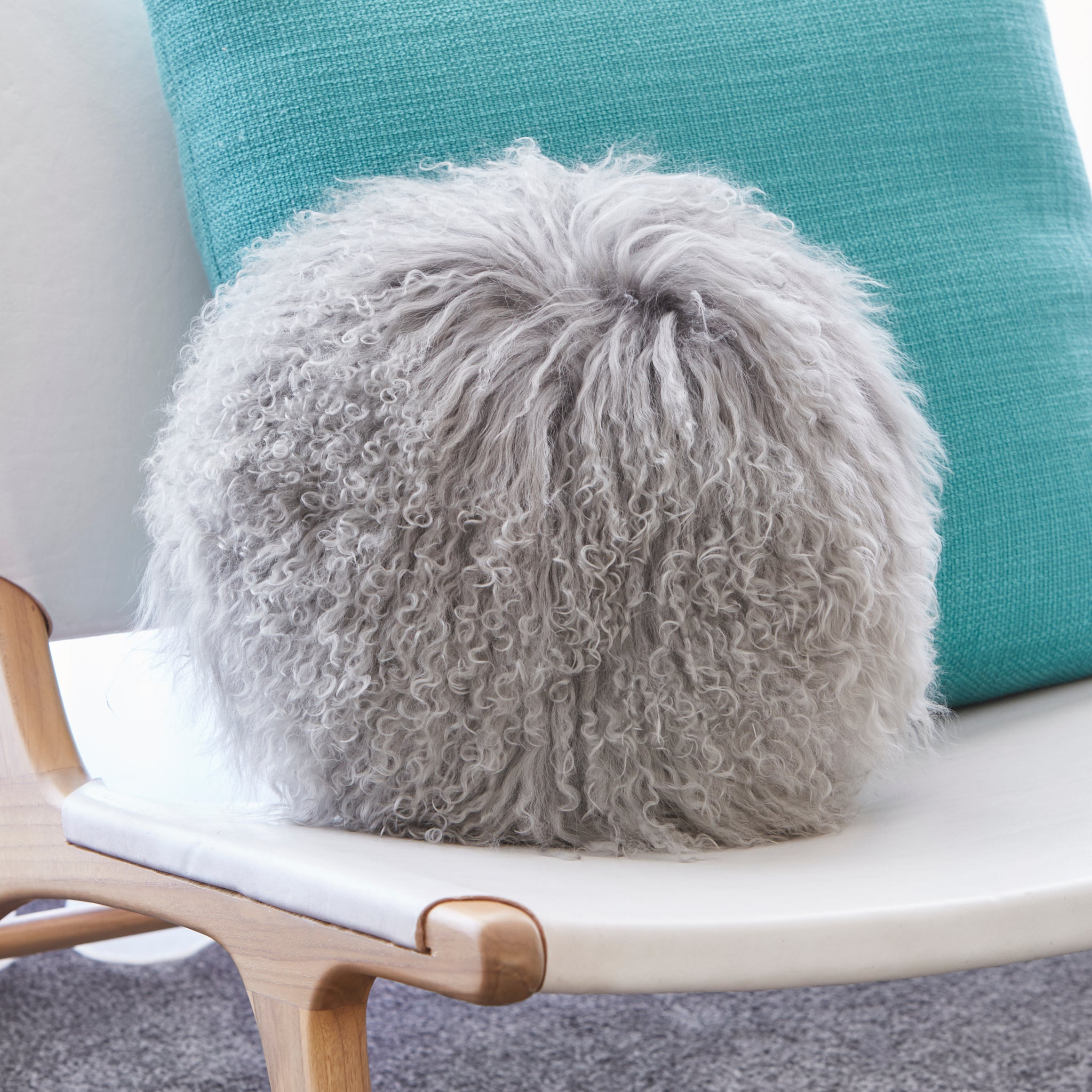 Mongolian Sheepskin cushion - Round - GREY
