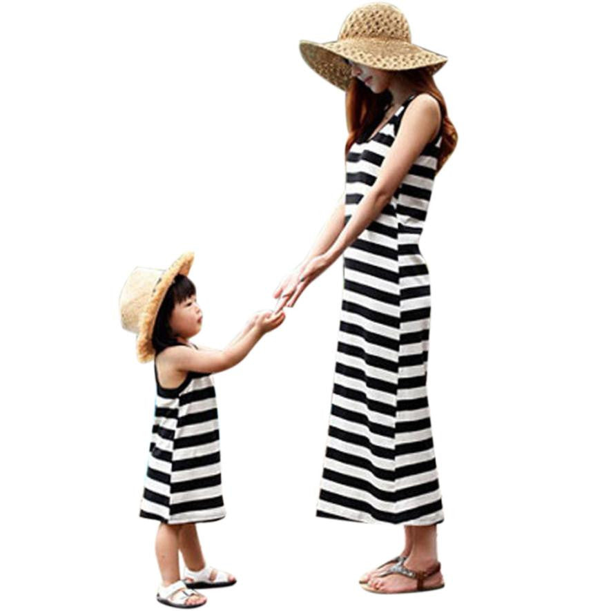 New 2017 sleeveless mother daughter Striped dresse Family Matching clothes Striped Mom and daughter dress Family look outfits