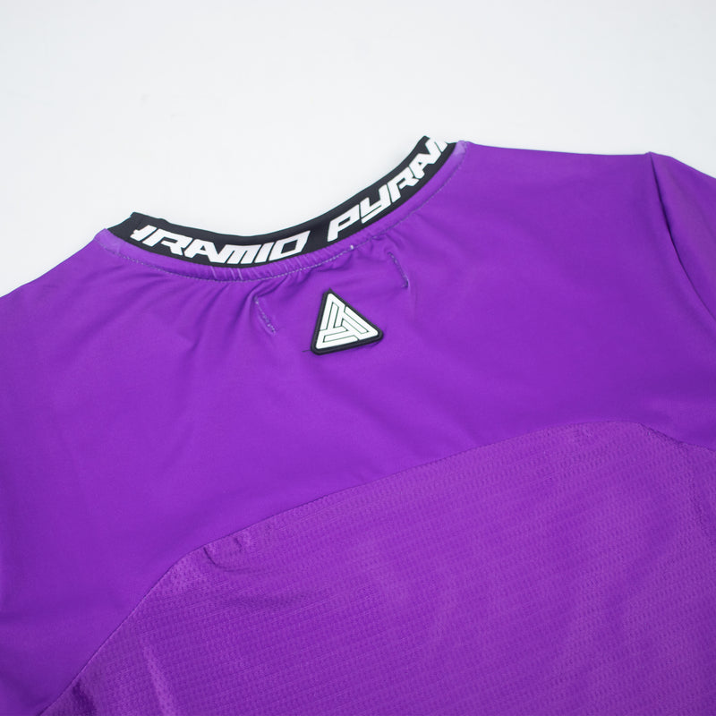 Black Pyramid Women's Matrix Logo Crop Top - PremierVII