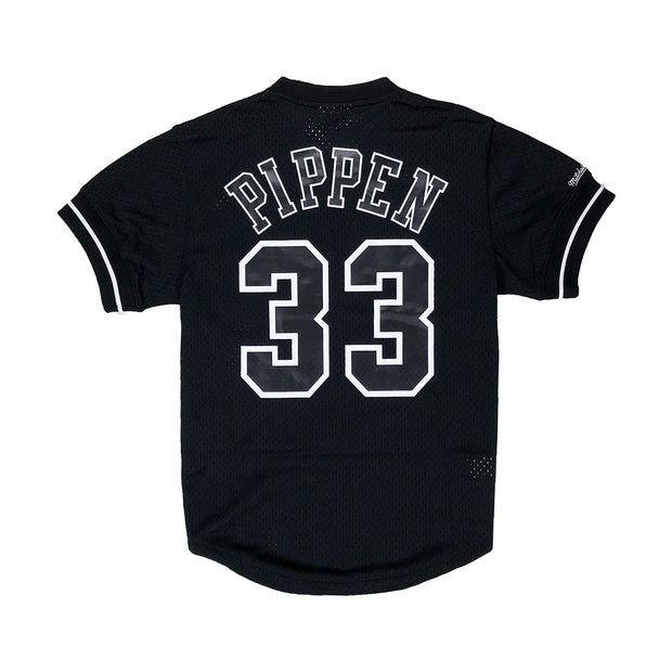 Mitchell & Ness Chicago Bulls Scottie Pippen Name & Number Mesh Crew Neck Black Back