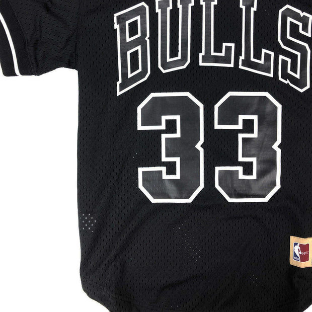 Mitchell & Ness Chicago Bulls Scottie Pippen Name & Number Mesh Crew Neck Black Waist