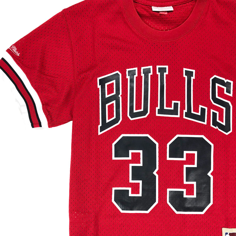 Mitchell & Ness Chicago Bulls Scottie Pippen Name & Number Mesh Crew Neck Red Neckline