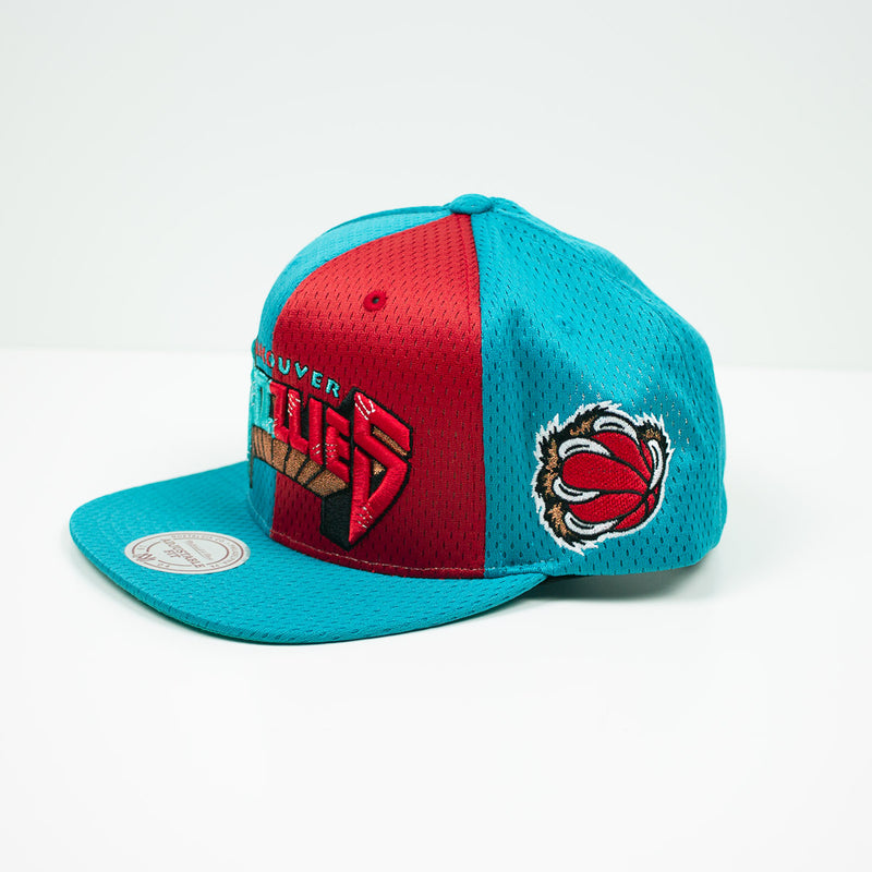Mitchell & Ness Vancouver Grizzlies Division Mesh Snapback Hat Teal / Red Left