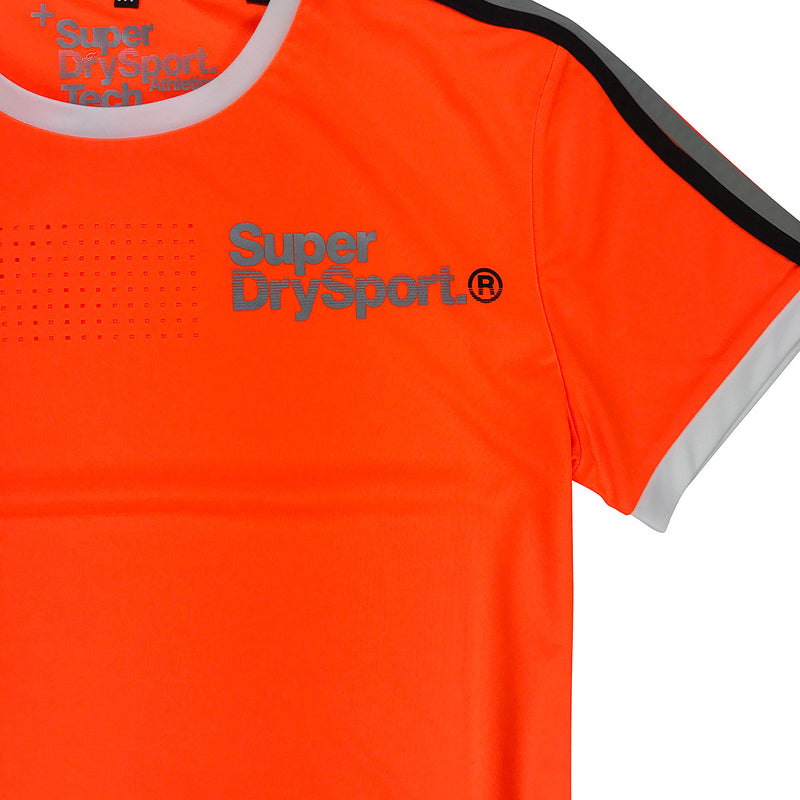 Superdry Team Tech Tee Original Neckline