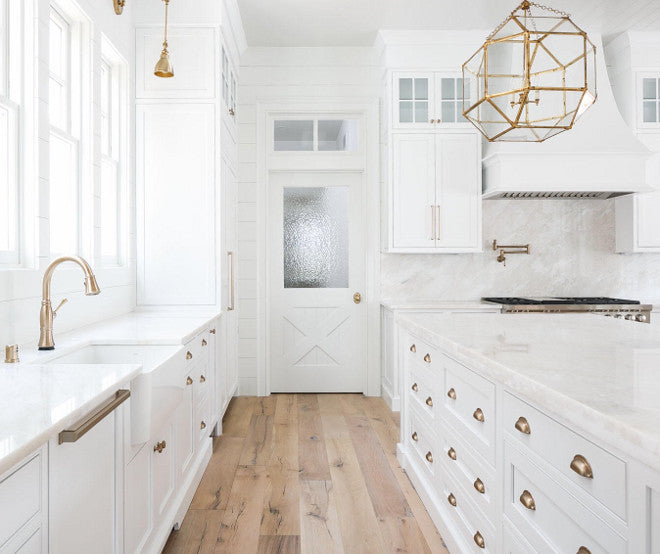 white kitchen cabinets brass hardware 37 beautiful farmhouse interior designs you ll swoon for 28706