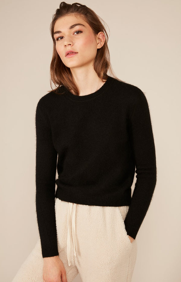 Round Neck Jumper in Black (M)
