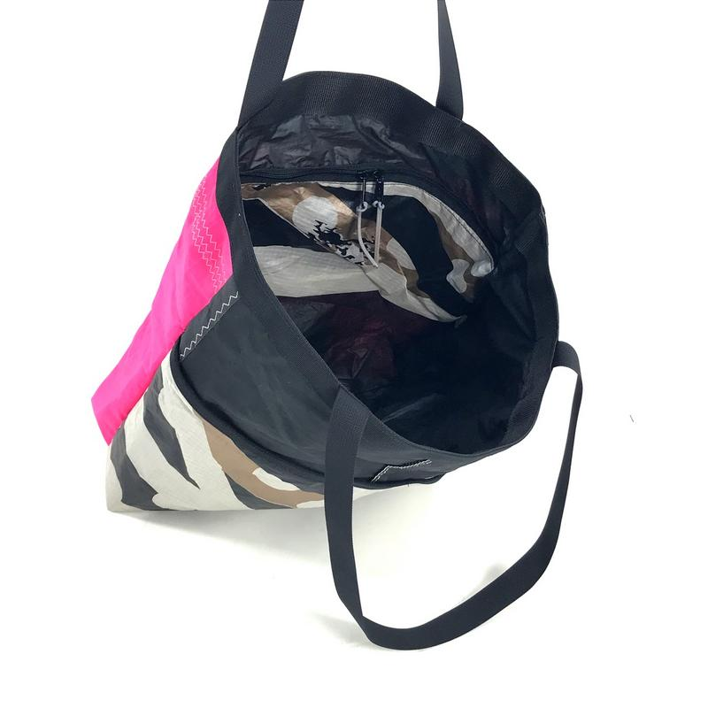 A stylish, handmade, upcycled and very practical bag designed for you.