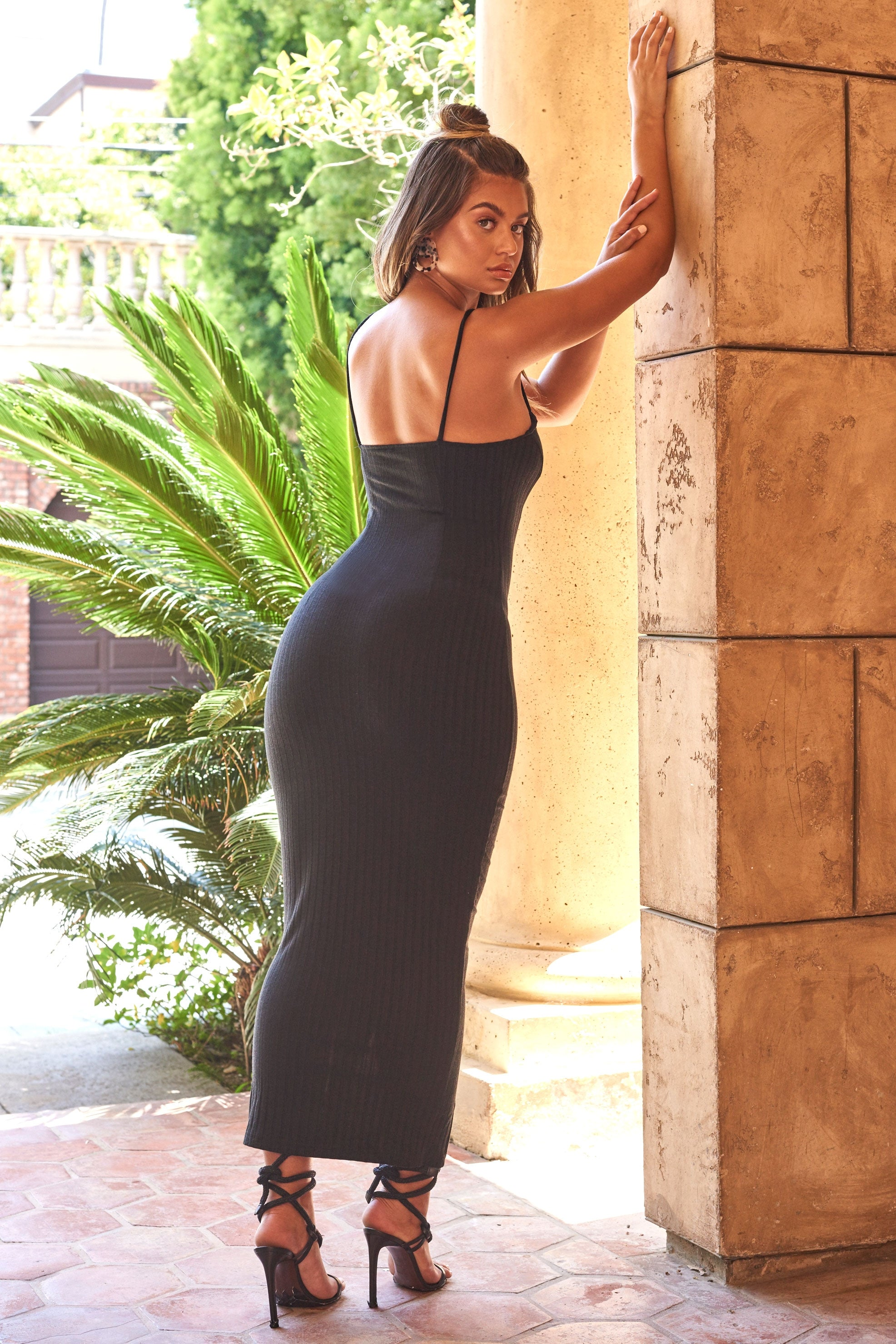 black spaghetti strap tight maxi dress
