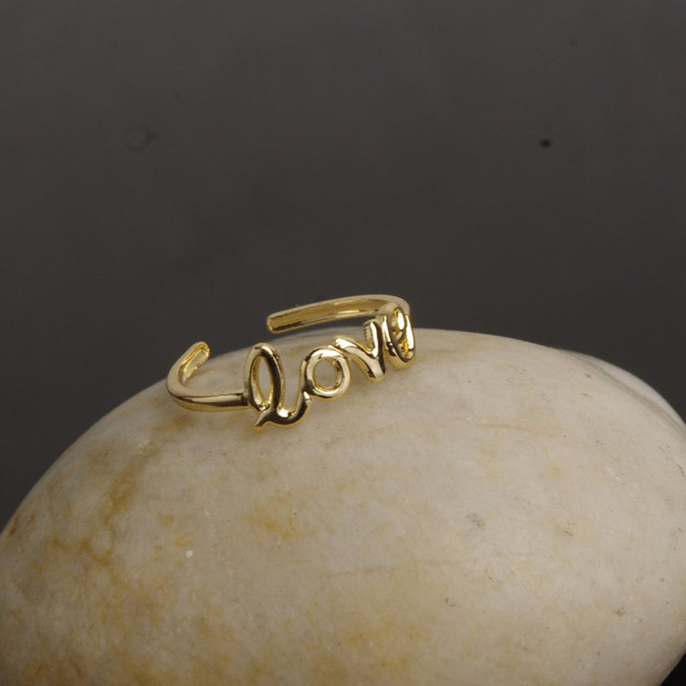 Love Toe Ring Gold