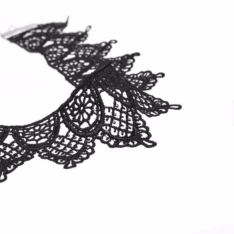 Taia Lace Choker-Black