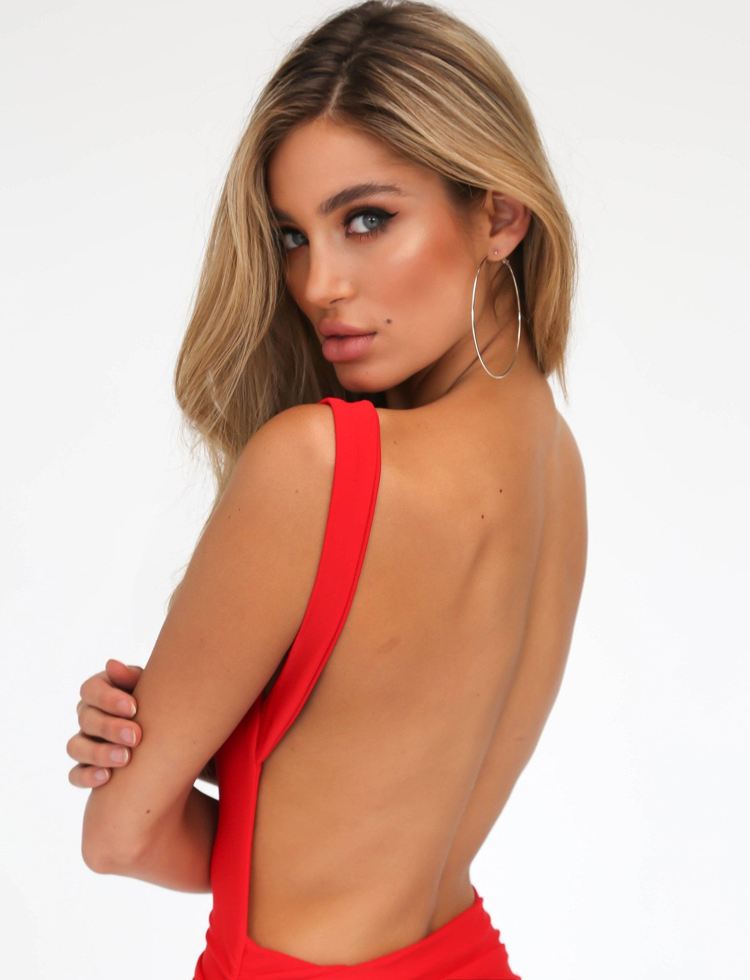 nairah red backless bodycon dress