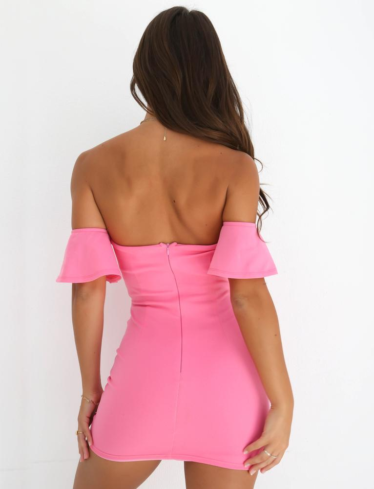 pink off shoulder bodycon mini dress