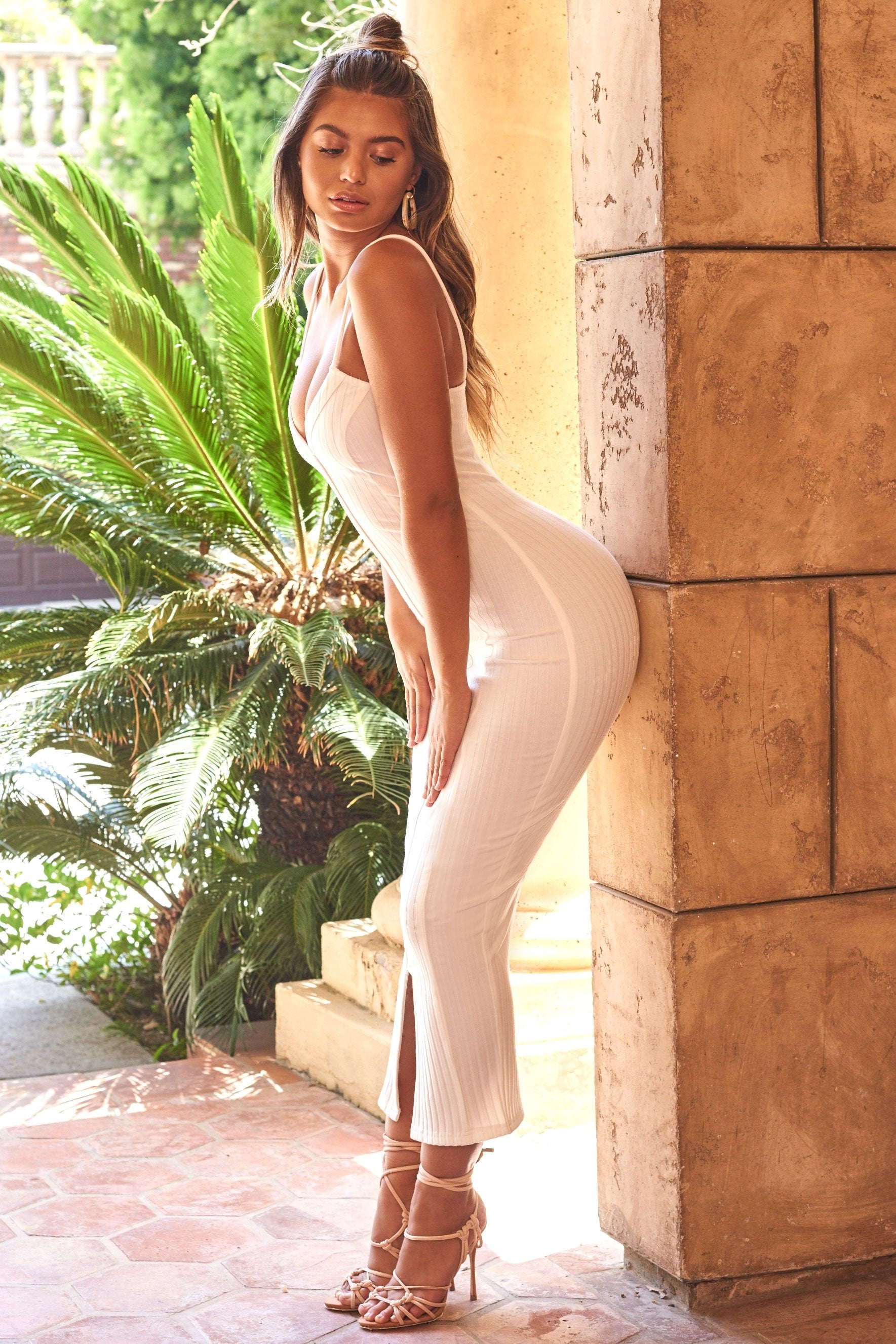 white jersey bodycon maxi dress