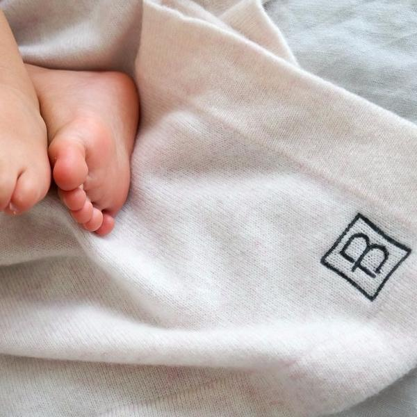 Our baby blanket will keep your little one snug and warm for years. Made from gorgeously soft cashmere. A perfect gift for babyshower or a newborn gift. Hong Kong Cashmere  Mongolian Cashmere