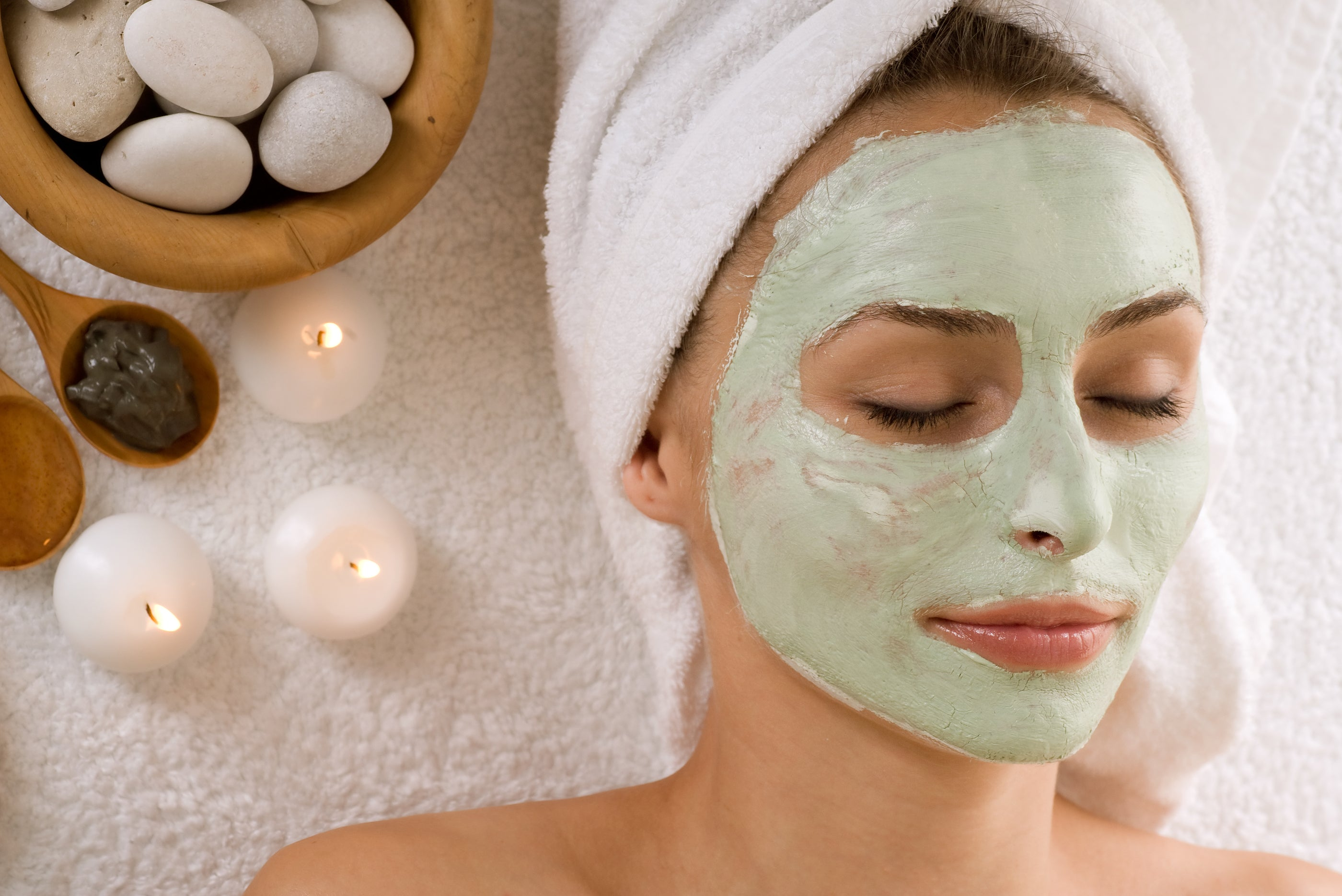 Think twice before you do a facial, skin experts say that it is worse, than benefiting from it.