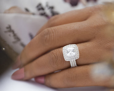 Zinnia 18Karat White Gold Engagement Ring