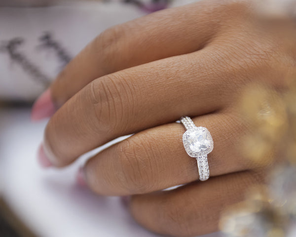 Tayo 18Karat White Gold Engagement Ring