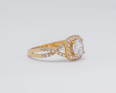18Karat Gold Engagement Ring