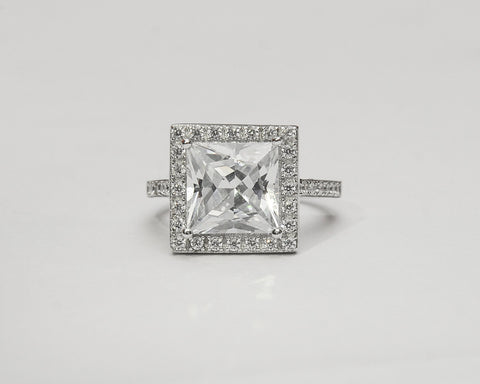 QUEEN STERLING SILVER ENGAGEMENT RING