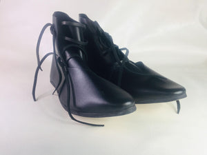 Laced Medieval Leather Ankle Boots - 325