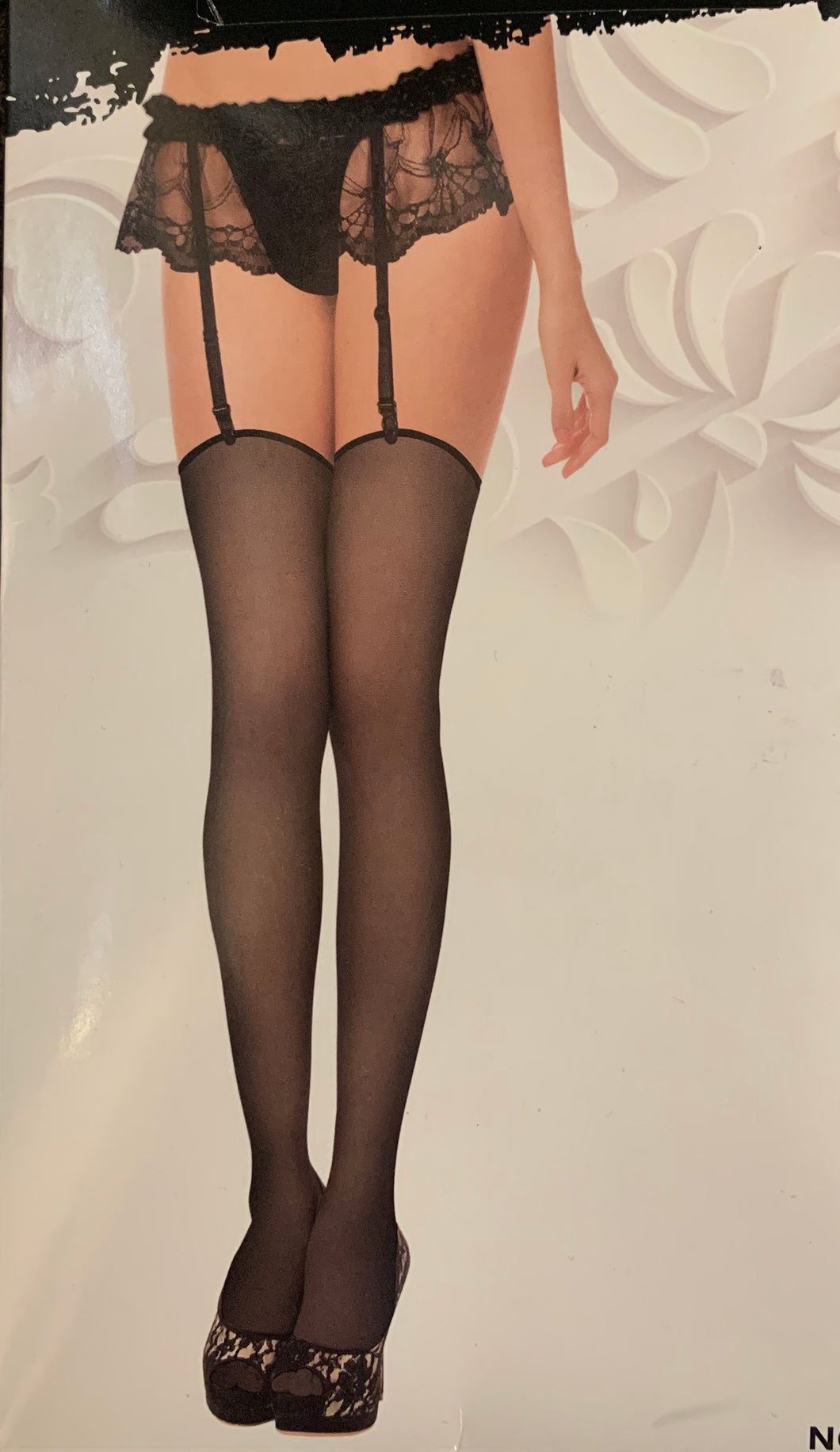 Frilly suspenders and stockings 9865