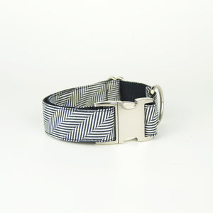 Stripes Collar Medium