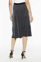 Plus Size Crystal Pleat Knit Skirt Color Black/White