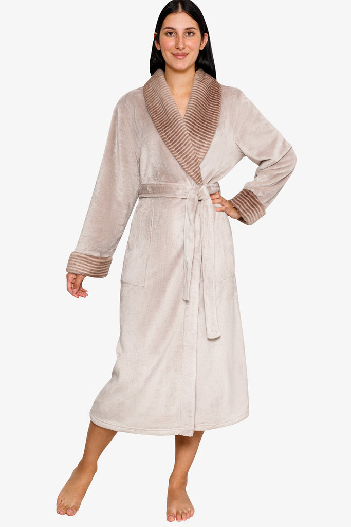 JNY - Fashionable Fur Trimmed Robe