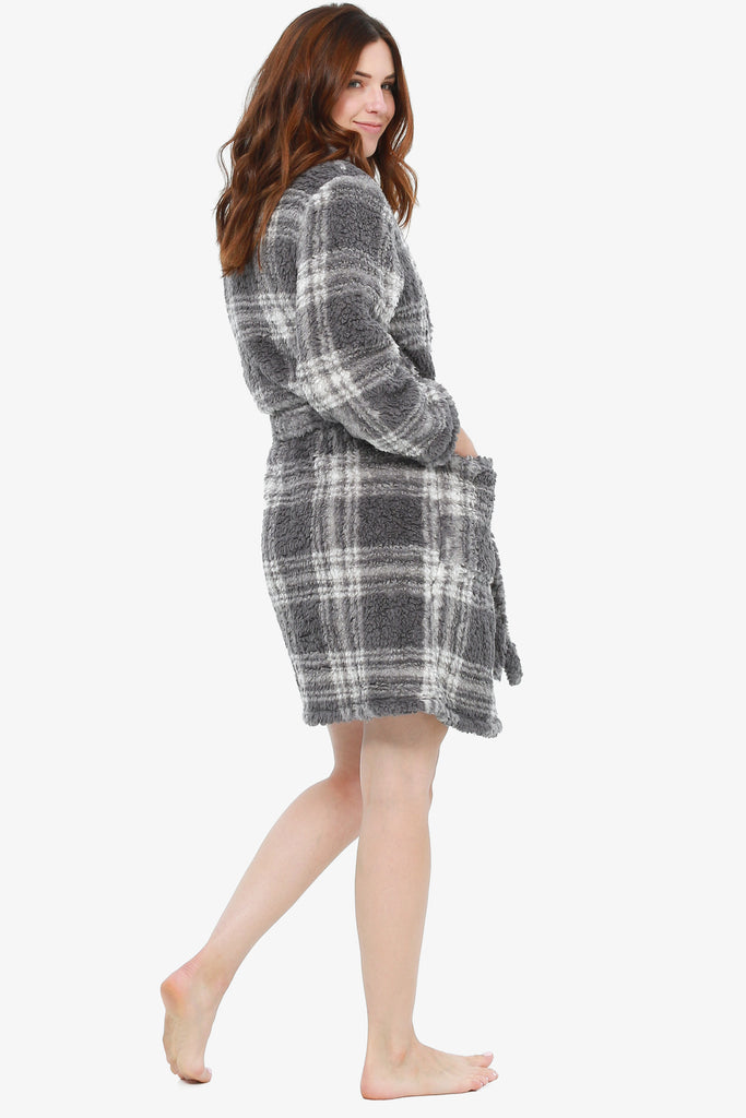 The Plaid-It-Out Robe (Grey) - CozyAndCurious