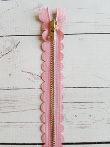 "10"" Light Rose Pink Scallop Zipper"