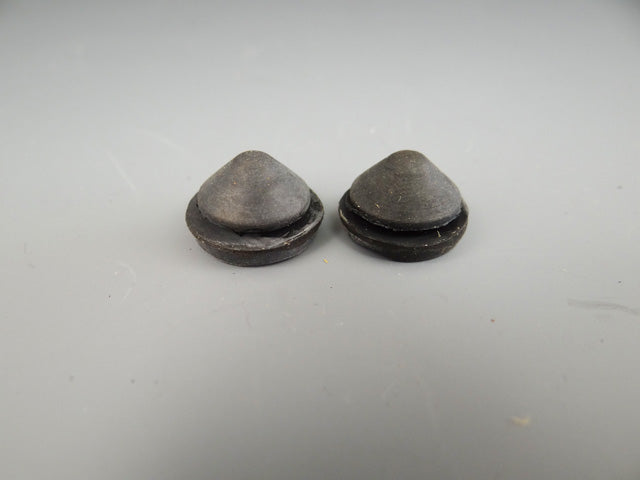 FLOOR PAN Rubber DRAIN PLUGS - M556
