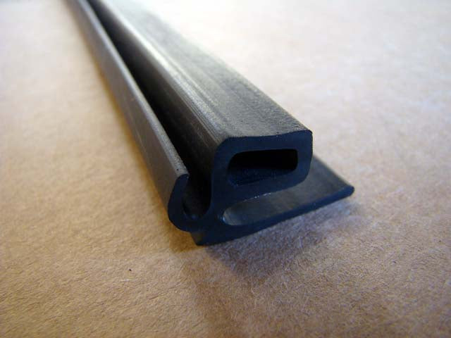 DOOR SEAL on body (Pre. 64' Driver side) M16-L