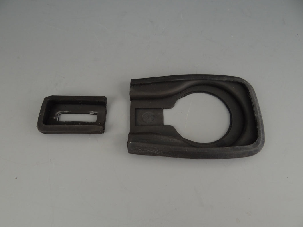 DOOR HANDLE SEALS - LARGE/SMALL per handle - M560A
