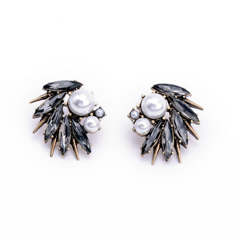 Gizelle Pearl Crystal Earring Studs 1108 Boutique