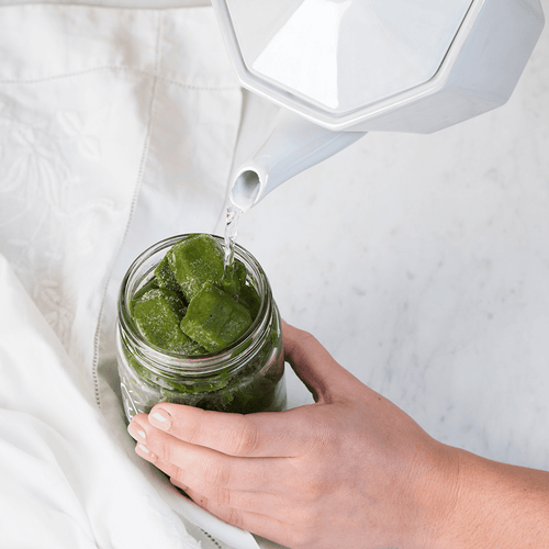 PEACHES & GREEN SMOOTHIE - Bright Greens Green Smoothie Shake Ups