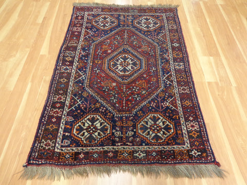Tribal Shiraz rug