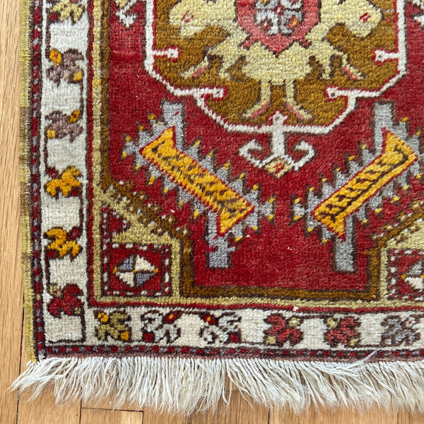 Turkish Rug, 1' 7 x 2' 5 Red Yastik
