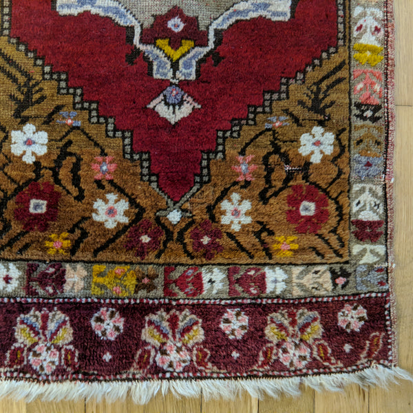 Turkish Rug, 1' 7 x 3' 5 Red Yastik