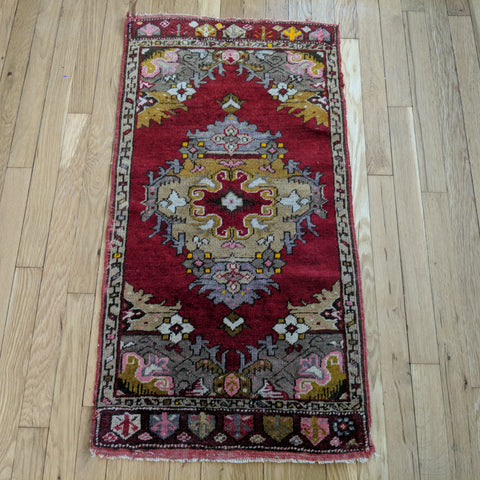Turkish Rug, 1' 9 x 3' 5 Red Yastik