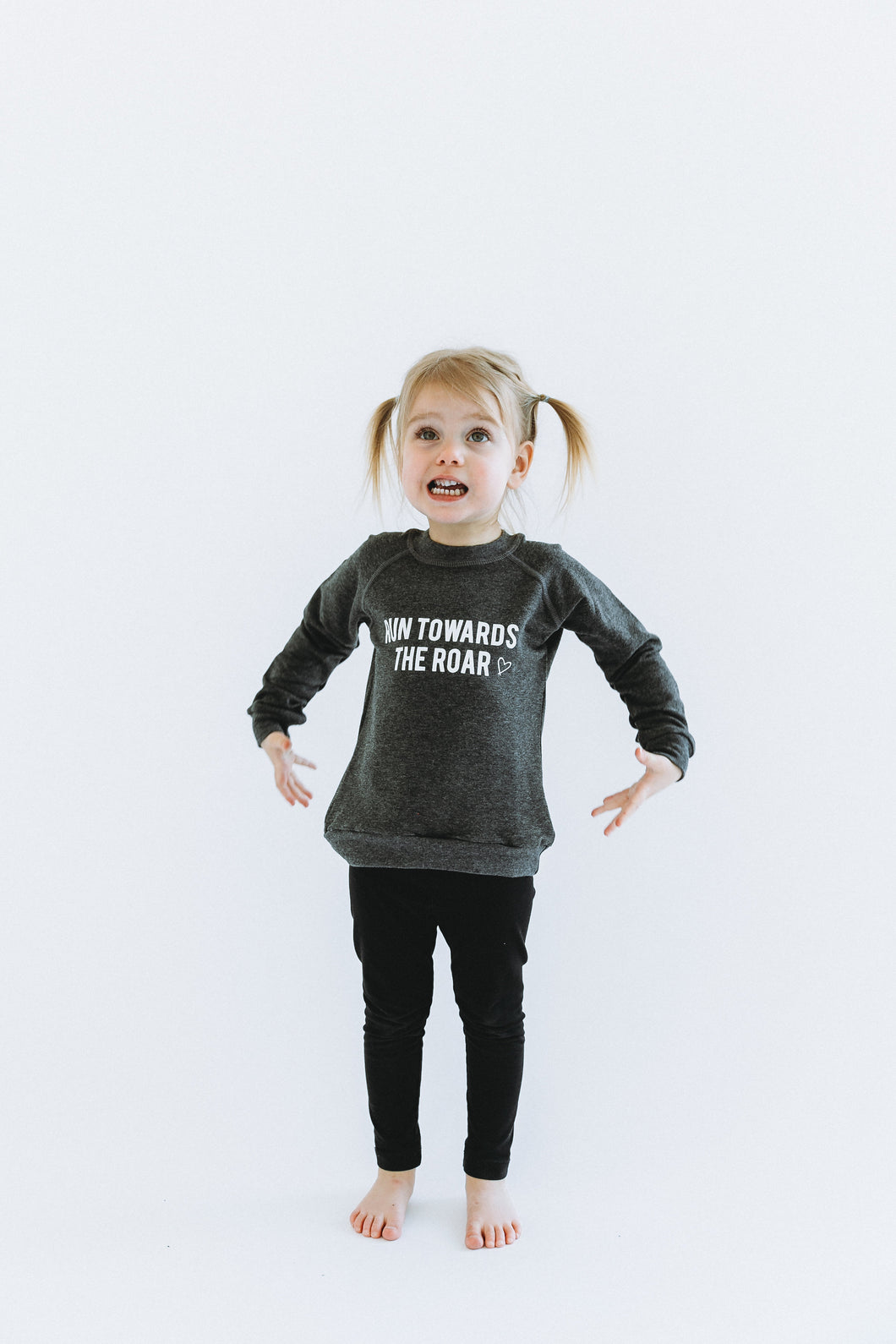 RUN TOWARDS THE ROAR || KIDS CREW GREY