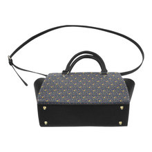 Elizabeth I Signature Classic Shoulder Handbag