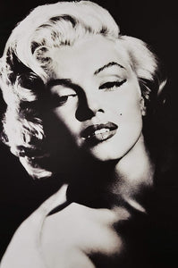 Marilyn Monroe - Black and White Pose Poster egoamo.co.za posters