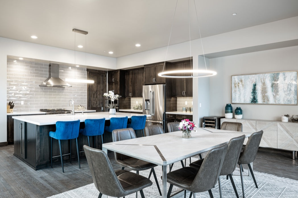 Interior design for Truckee vacation home kitchen and dining room