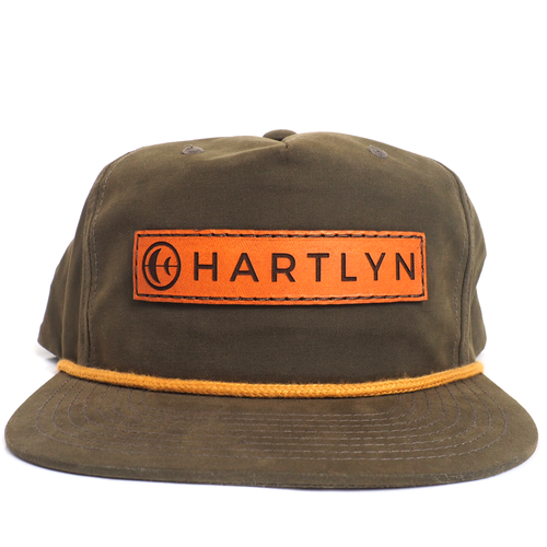 THE KERN SNAPBACK IN OLIVE